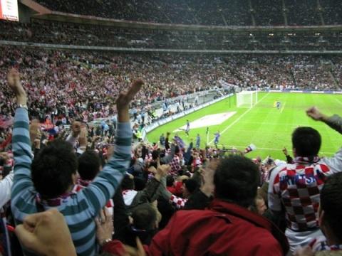 Djelić atmosfere s utakmice Engleske i Hrvatske na Wembleyu 2007. godine. (Foto: Ivan Kovačević)