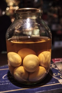 Pickled egg, ukiseljeno jaje, specijalitet britanskih pubova